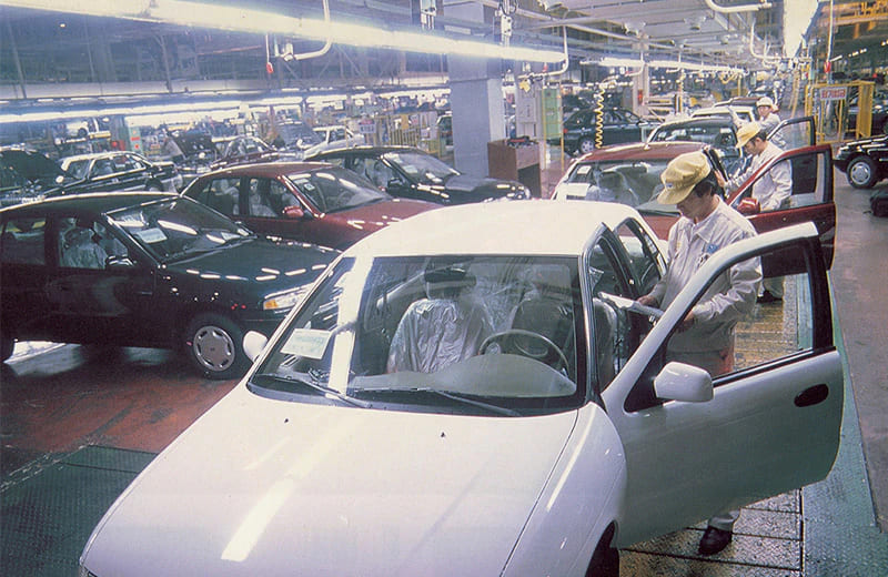 1992-the-sephia-kias-first-independently-developed-passenger-car-starts-production